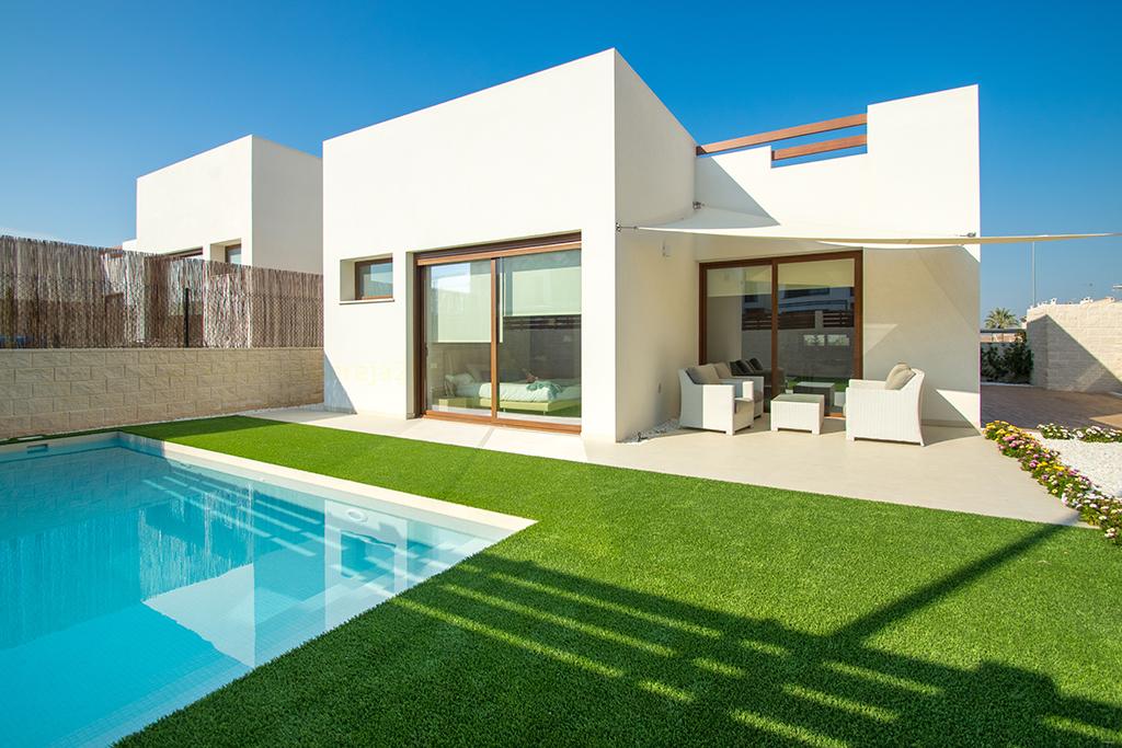 Vrijstaande villas met zwembad / Benijofar